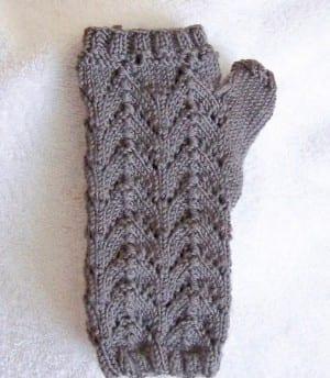 Jean's Lace Fingerless Gloves Kit