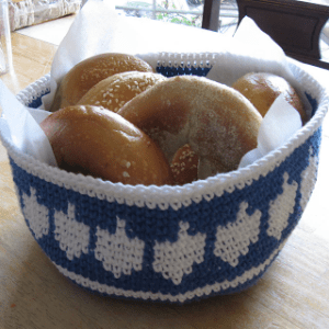 Dreidel-Bowl-Crochet-Kit